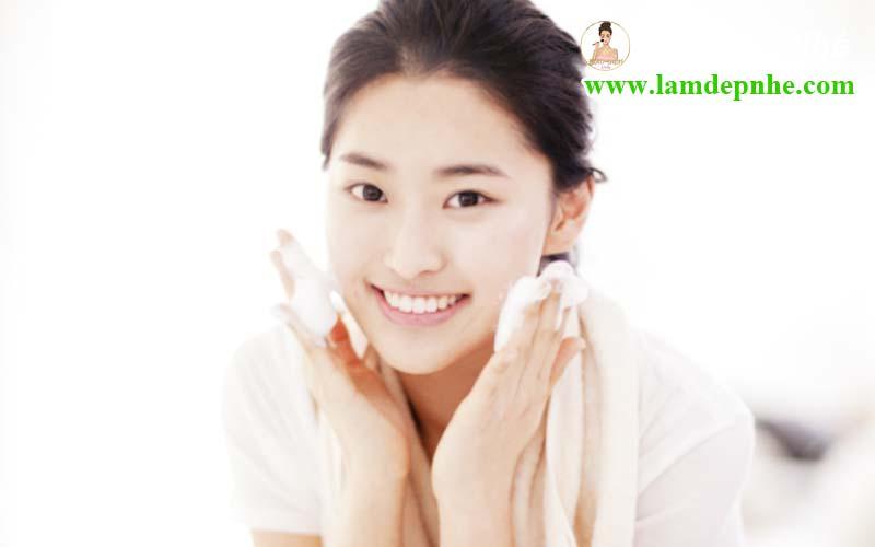 Chia sẻ 10 bước chăm sóc làn da ban đêm của phụ nữ Hàn Quốc